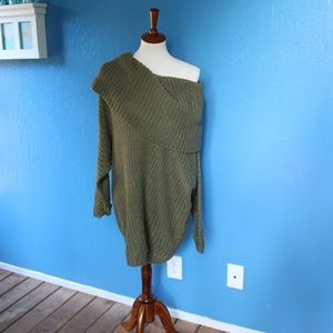 NWT Umgee Slouchy fit sweater sz L